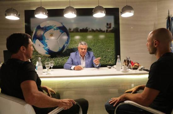 官方:马斯切拉诺参加阿根廷国家队技能团队