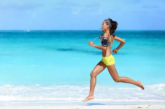 赤足跑是种怎样的感受 体验和大自然的亲密接触