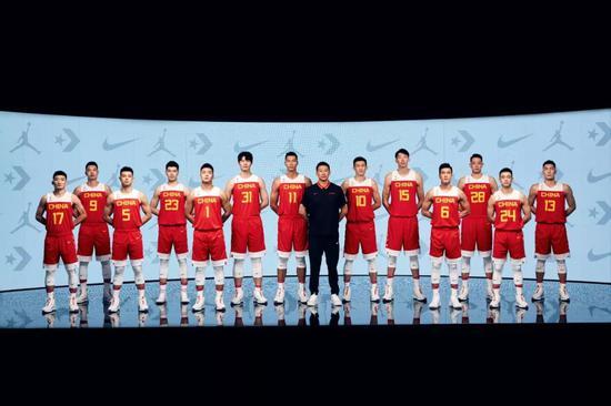 出手即证明:中国篮球全新战袍亮相