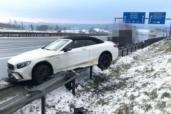 德媒:博阿滕卷入交通事故 所幸人未受伤