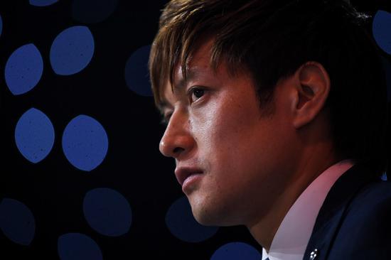 △在汪嵩的帮助下,张佳祺很快熟悉和适应了球队的生活。图据 IC Photo