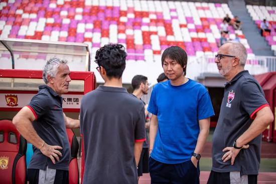 李铁考察球员高拉特表现抢眼 郜林王永珀也是目标插图(2)