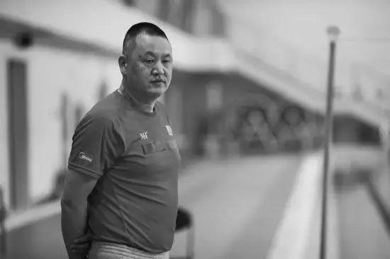 他的离世让弟子哭成泪人 中国游泳夺金点成疑?