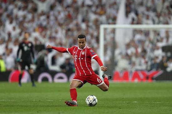 鲁梅尼格:蒂亚戈想要离队 但拜仁还未开始谈判