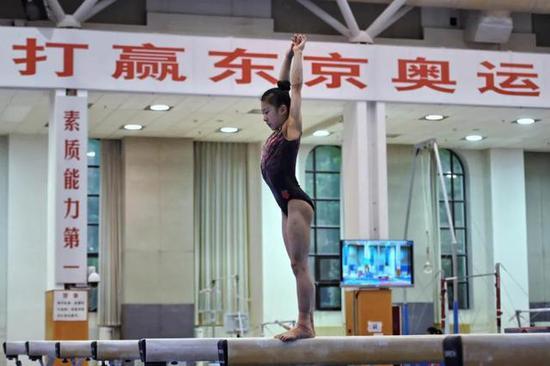 中国体操队演练成套动作全锦赛九