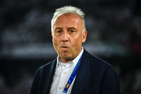 名帅:AC米兰是意甲抢手 尤文若输球将很难争冠