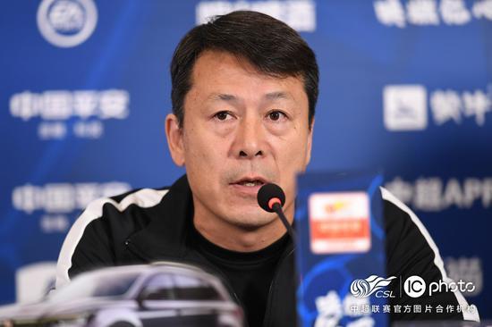 华夏助教:一直在按谢峰计划训练 会给后场U23机会