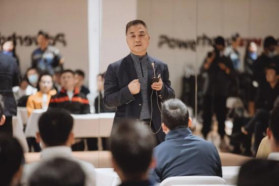 中国高尔夫球协会主席 张幼宁