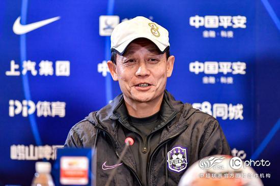 王宝山:苏亚雷斯有拉伤 希望把演练的东西展现出来