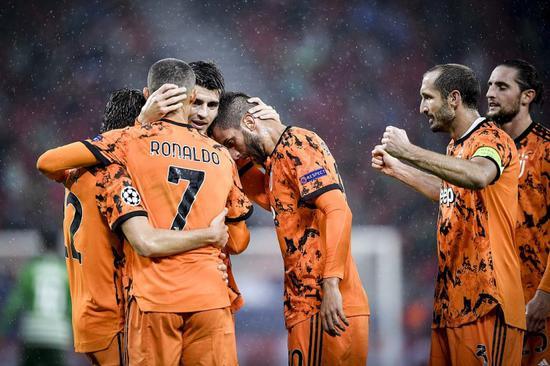 本轮欧冠小组赛,尤文客场4-1打败费伦茨瓦罗