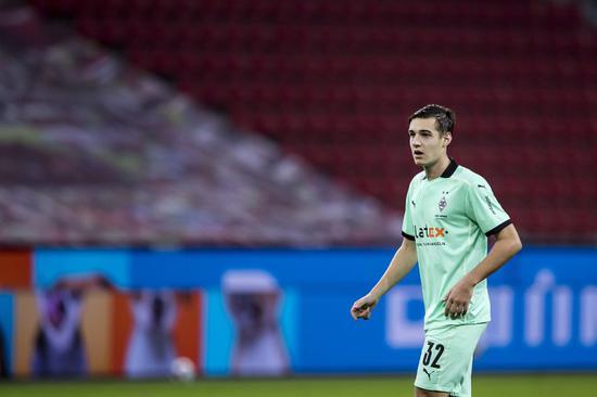 拜仁有意门兴格拉德巴赫中场诺伊豪斯,皇马也对这位23岁的球员密切重视