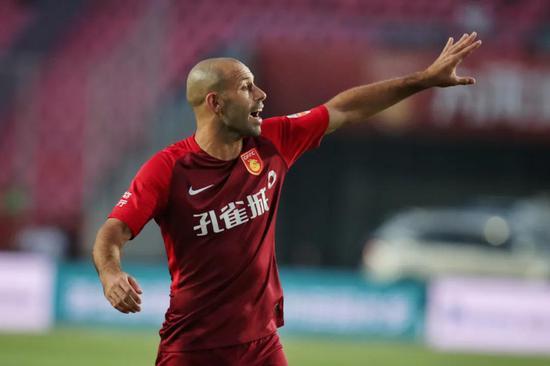 马斯切拉诺宣布退役 开办足校将与华夏更深化协作