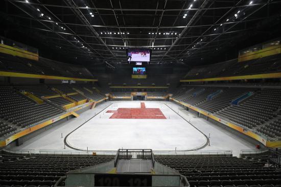 北京冬奥会冰球竞赛场馆国家体育馆完成初度
