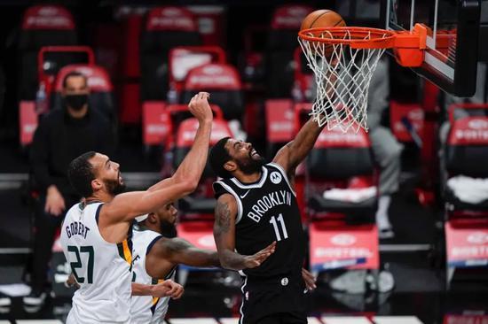NBA常规赛继续进行,篮网主场130-96打败爵士