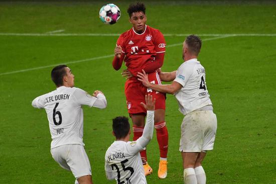 低迷:拜仁下赛季可能从青训选拔第四边锋