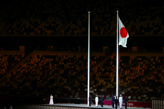 东京残奥会开幕式意外一幕 日本国旗居然升错了