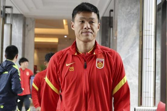 李昂:踢越南要知己知彼 教练给了每人的信息资料!