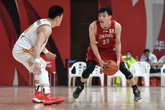 年青的浙江男篮确实需求教练的不断敦促