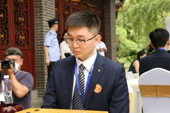 杨鼎新九段