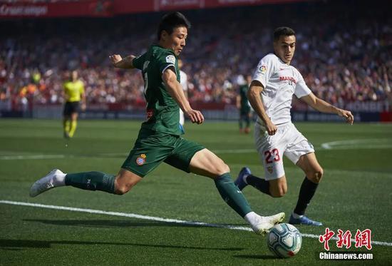 武磊受伤的西方人的攻击直线下降,靠勤奋赢得了中国足球的名声