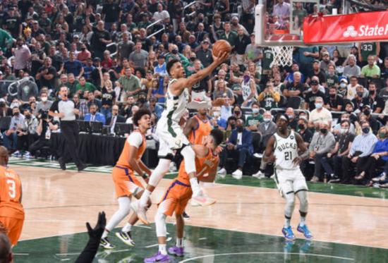 前NBA球员马丁:我认为雄鹿会拿下G5!