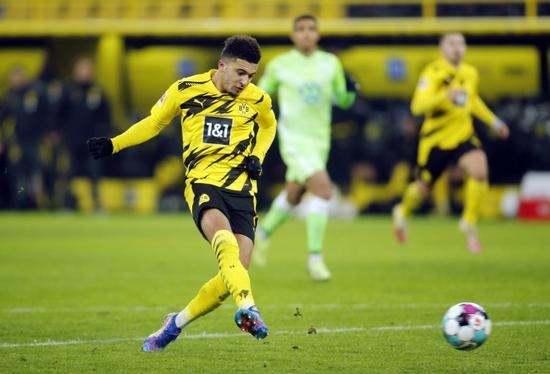 多特蒙德主场2-0打败沃尔夫斯堡,桑乔在比赛中传射建功