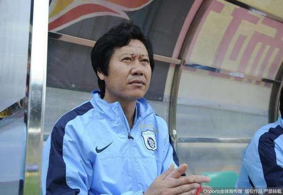 柳忠长:大连孩子天生有足球灵性 回巅峰是时间问题