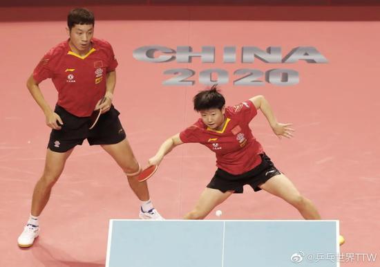 王楚钦/王曼昱在模拟赛混双比赛中的外现可圈可点。
