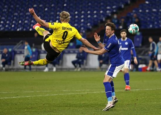 鲁梅尼格:拜仁签哈兰德并不现实 各队已排队争抢!