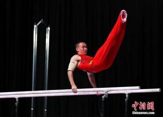 原料图:肖若腾在比赛中。中新社记者 刘关关 摄