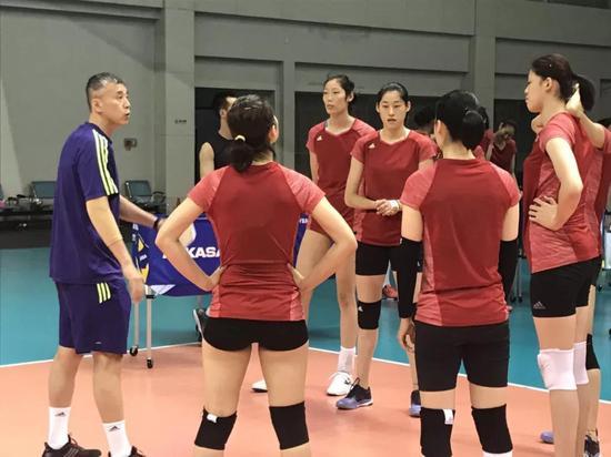"""和中国排球人接触,最深的感想就是""""情怀""""二字。"""