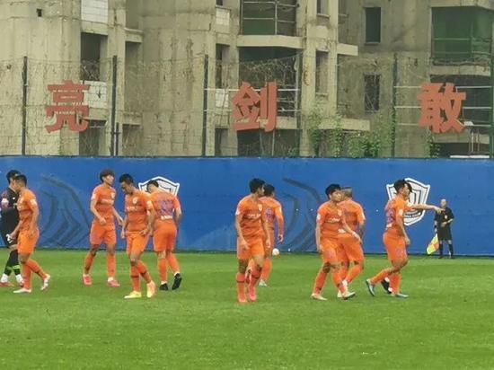 热身赛鲁能1-4负永昌 费莱尼复出进球莱昂纳多首秀