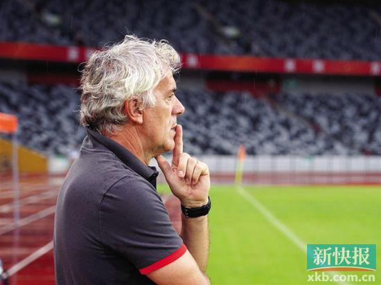 ■教练众纳众尼