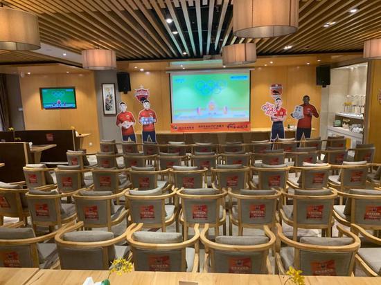 深圳各大球迷组织第二现场看球:永远都一起战斗