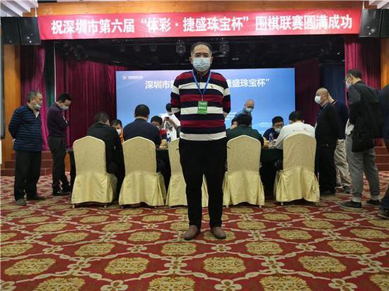 资深围棋教练、本次比赛副裁判长俞小屏先生