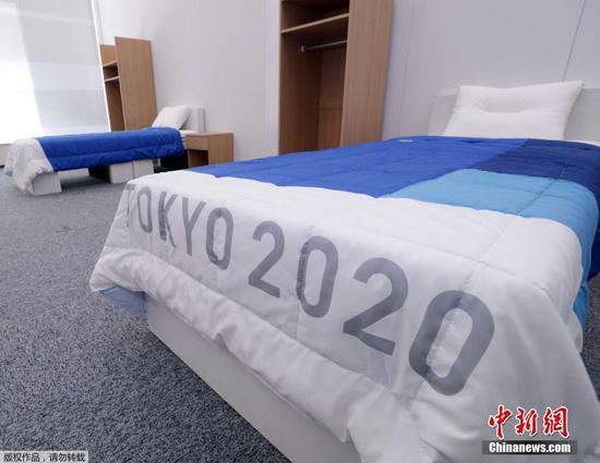 东京奥运会奥运村、残奥会残奥村答用的床、桌子、衣柜等家具亮相, <a href=