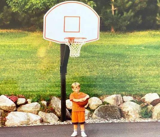 40天內的第三人!又一位NBA球員宣佈退役:八年生涯377場比賽僅31歲!-黑特籃球-NBA新聞影音圖片分享社區