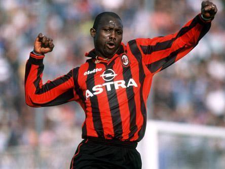 到了米兰之后,乔治··维阿成为了欧洲、非洲和世界足球先生