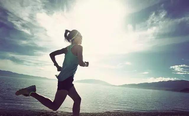没有坚持跑步的人 永远也体会不到那种充实感