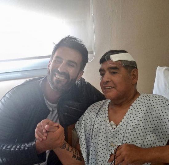马拉多纳手术后第一张照片公布