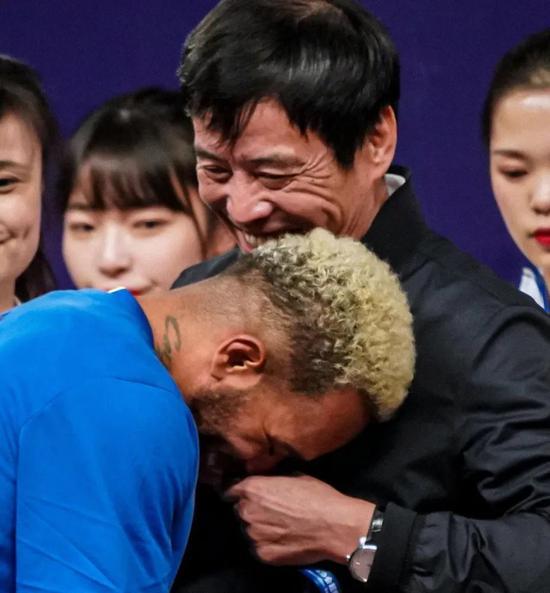 中国足协限薪与归化球员左右互搏 无高薪难吸引特谢拉