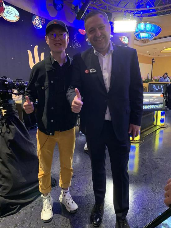 左:吴亚轲   右:Tony G