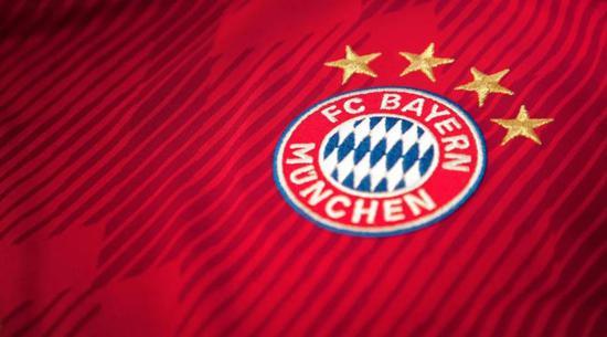 拜仁是第一支在四个不同的客场竞赛中打进过6+进球的球队