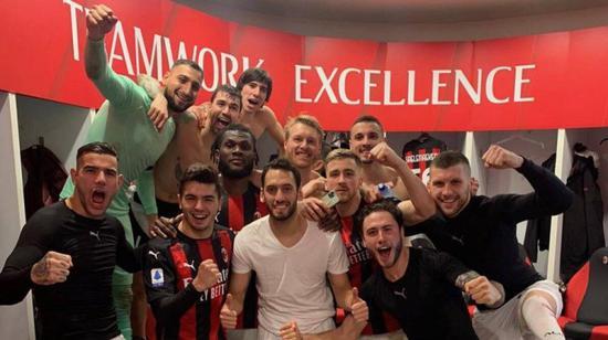 C米兰主场2-0战胜了佛罗伦萨