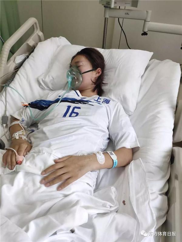 在上海女足的关心帮助下尤一婷的父母接下来计划陪同孩子一起来上海治疗