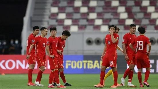 国足3分钟连丢两球全场零射正 国足12强赛首战0比3澳大利亚!