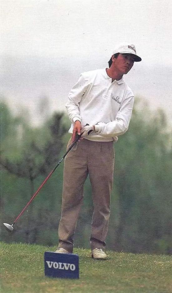 张连伟在首届沃尔沃中国公开赛上取得第三名的佳绩