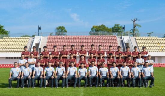 国青热身2-3不敌申花预备队 成耀东不看比分看新人