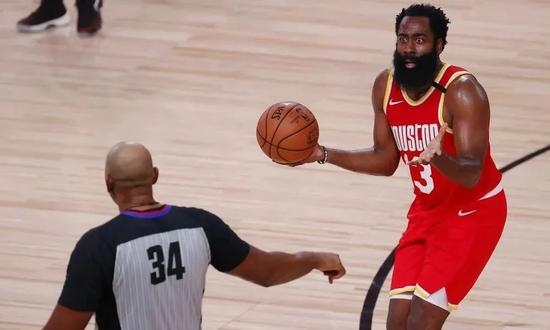 本年NBA球鞋乱战,比「哈登去哪儿」更精彩?