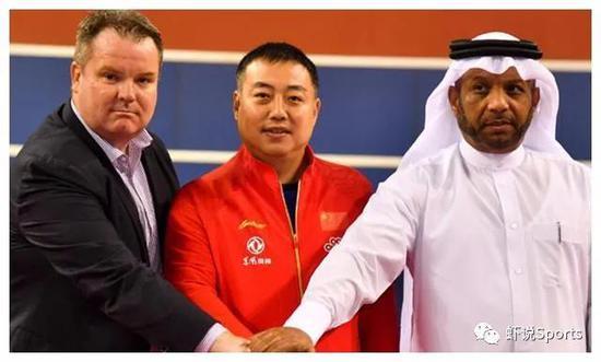 国际乒联CEO史蒂夫·丹顿、刘国梁与WTT董事会成员、国际乒联首席副主席卡里尔·阿尔·默罕纳德